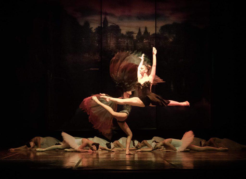 maria pia bruscia scuola di danza Arabesque Gela Allieve che spiccano il volo